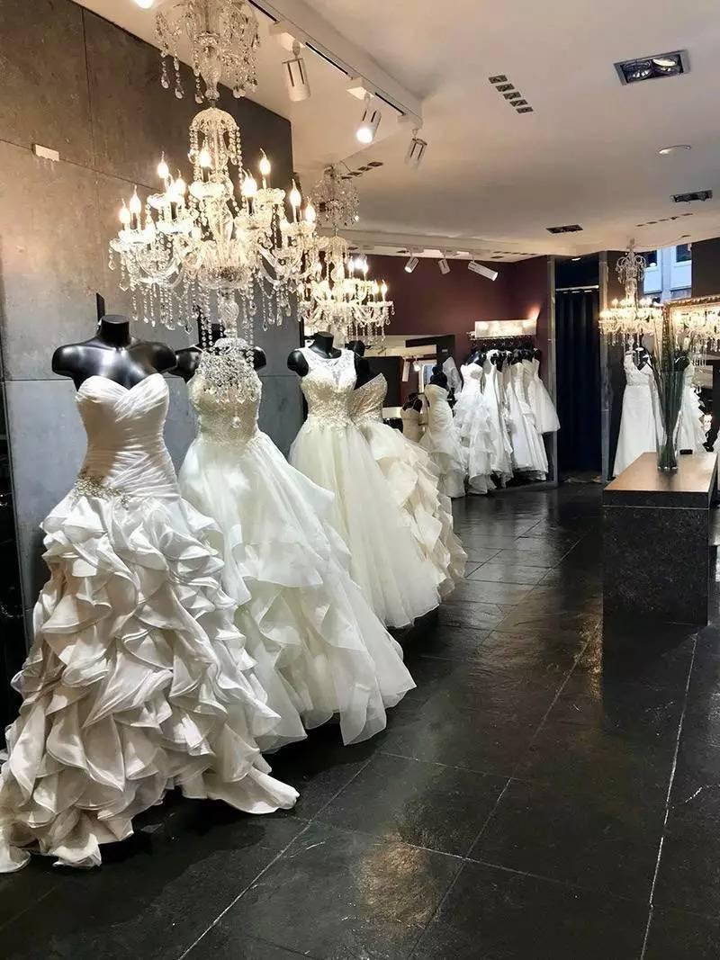 présentation de robes de mariée